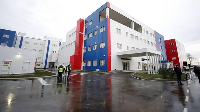 Covid bolnica u Batajnici, izgrađena za četiri mjeseca, spremna za prijem prvih pacijenata