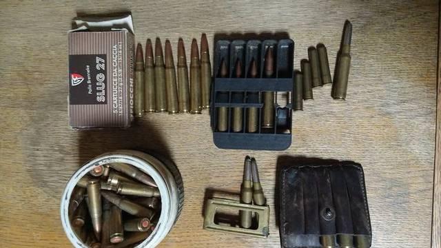 Čovjek predao 1805 komada streljiva, drugi tri ručne bombe