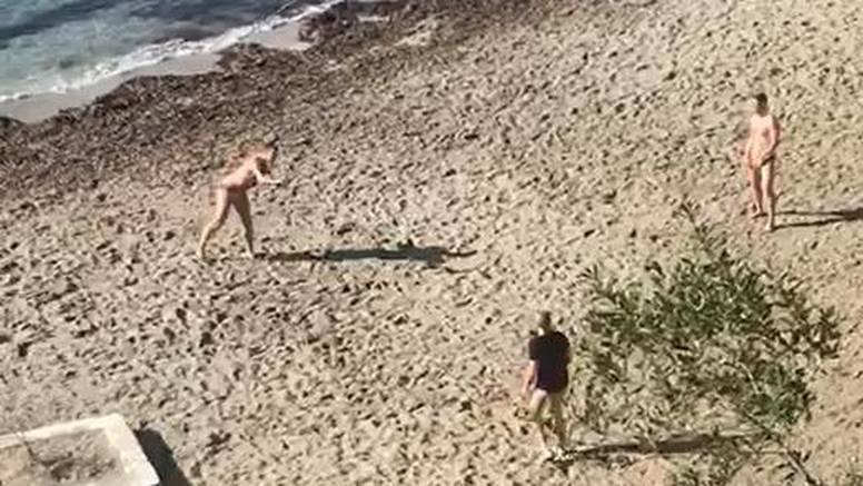 Pljusak 'oprao' Split, ali čim je stalo igrao se picigin na pijesku