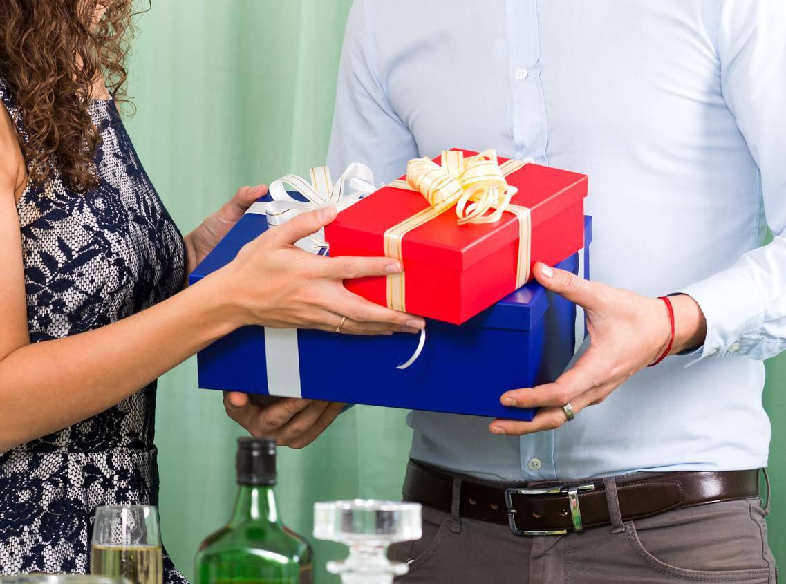 Najbolji i najgori pokloni: Jedni donose sreću, a drugi baš i ne