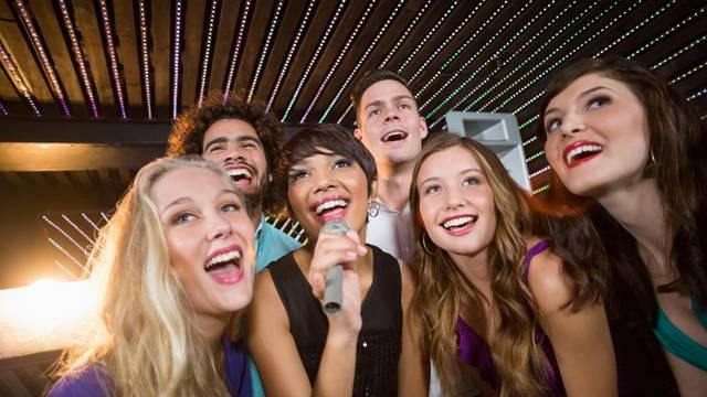 Pjevanje nije ništa rizičnije za širenje koronavirusa od govora