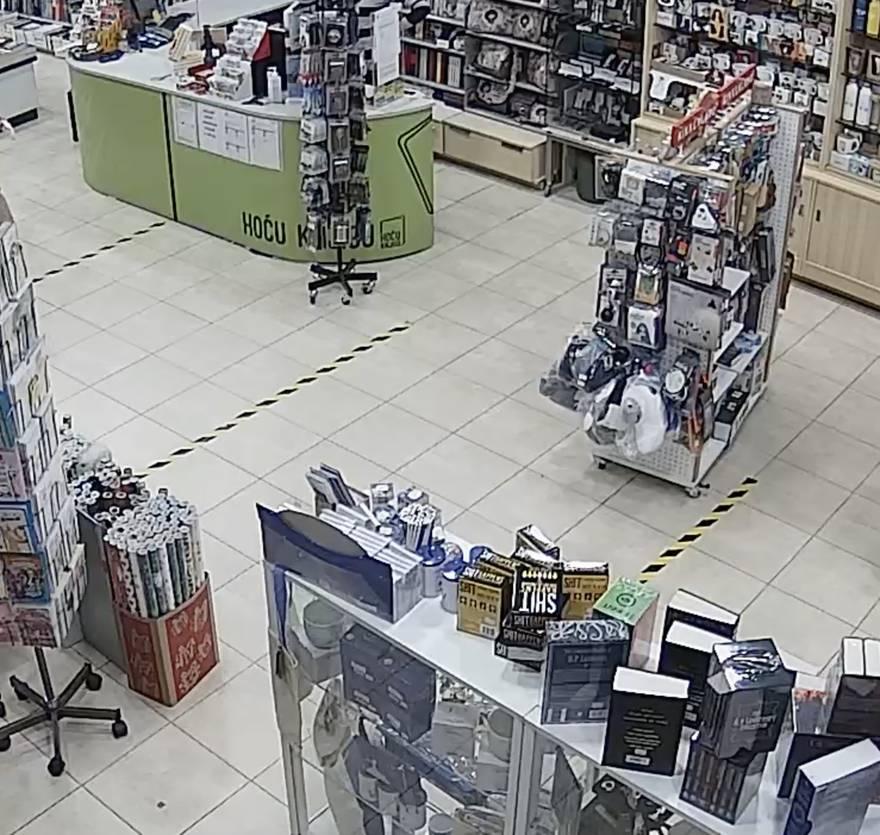 VIDEO Nadzorne kamere snimile su trenutak potresa u Zagrebu