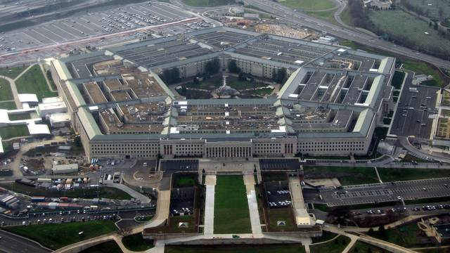 SAD ograničio uključivanje transrodnih osoba u vojsku