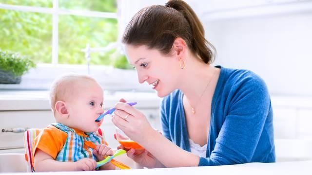 Oprez s hranom: Djeci do prve godine ne treba ni šećer ni sol