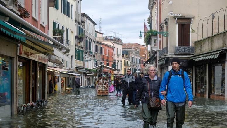 'Plima je bila baš tako visoka da  je voda ulazila kroz prozor'