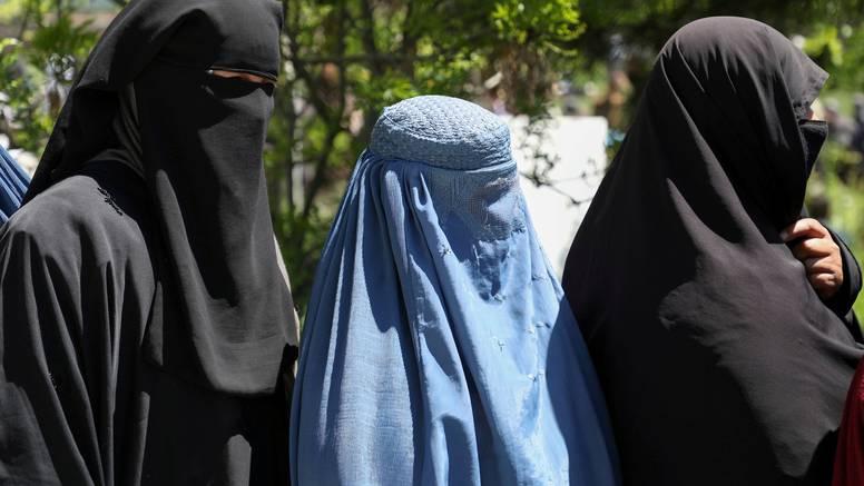 Zaposlene žene u Afganistanu moraju ostati doma, talibani ne znaju kako pričati s njima