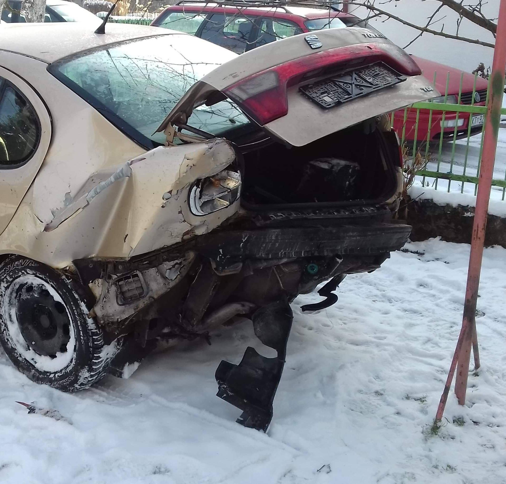 Pijan naletio na auto u kojem su bili roditelji, dijete i beba