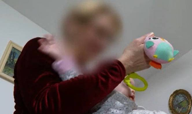 Kći i zet rekli da se beba rodila mrtva, ali baka nije povjerovala