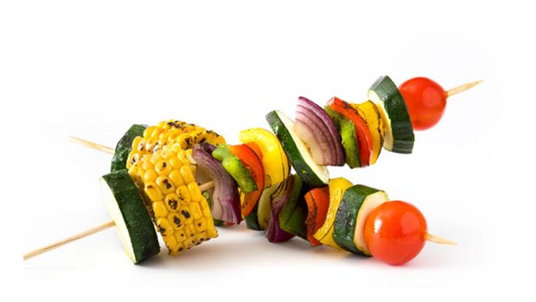Sezonske namirnice, lagana prehrana i dovoljan unos tekućine tri su ključna savjeta