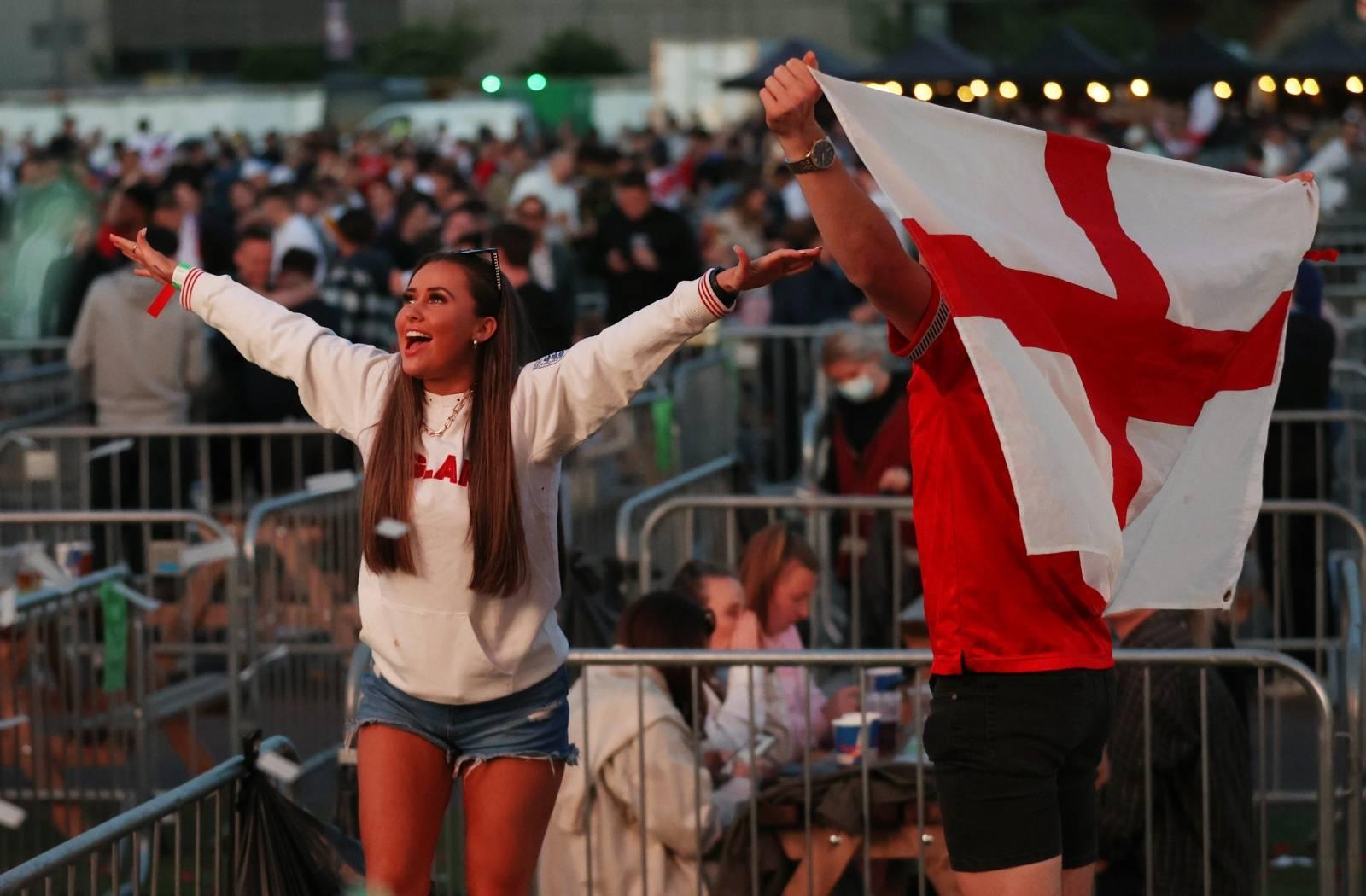 Euro 2020 - Group D - Fans gather for Czech Republic v England