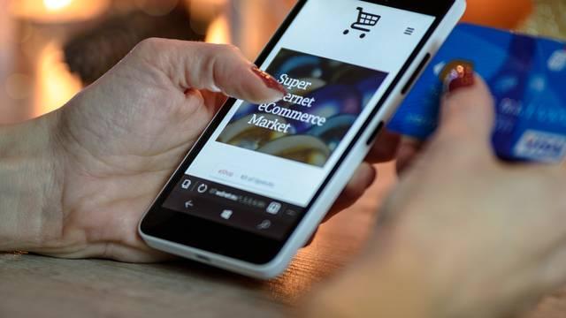 Ne treba napuštati dom da bi se počelo plaćati mobitelom
