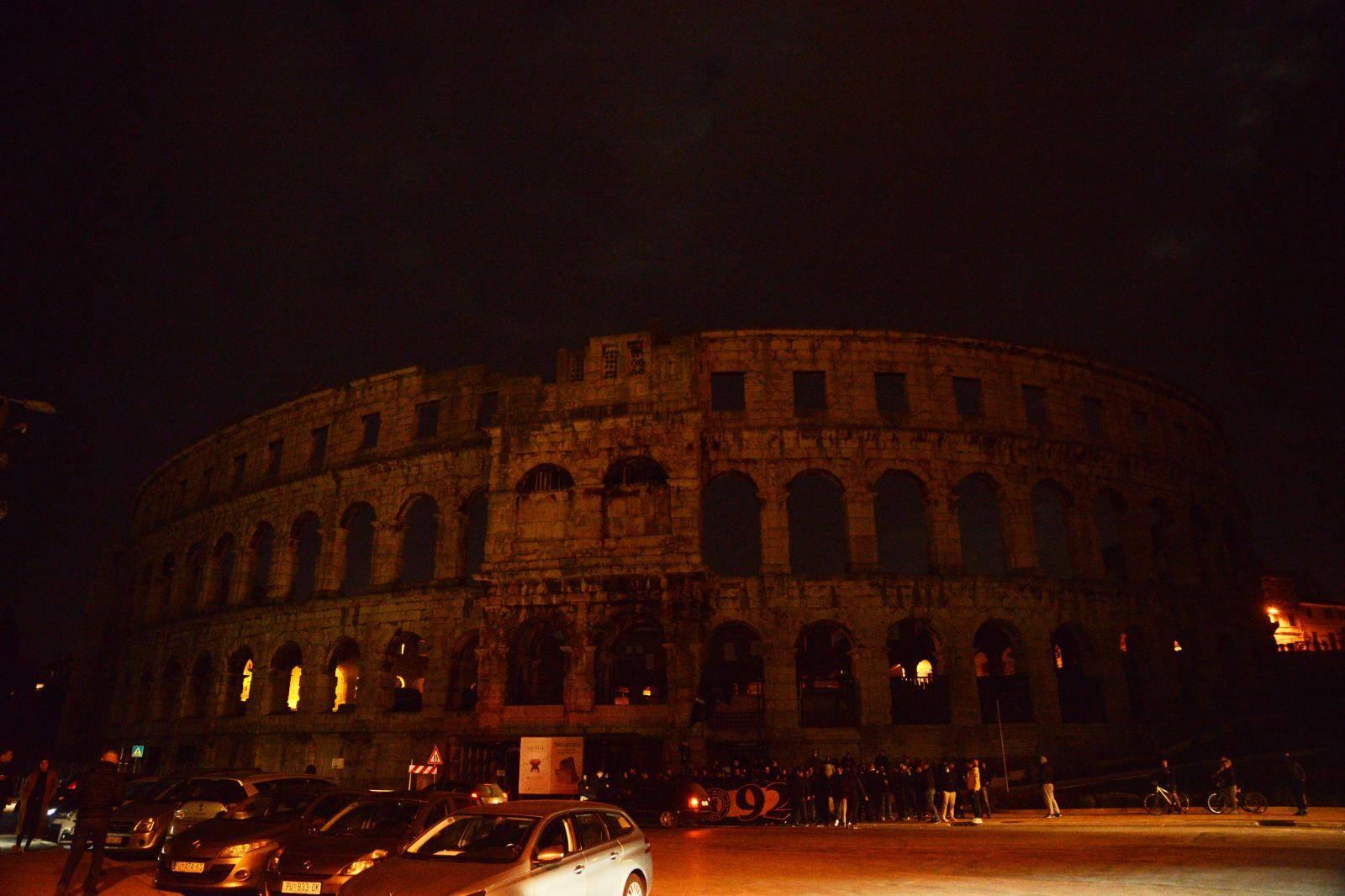 I pulski amfiteatar u svjetskoj akciji protiv svjetlosnog zagađ