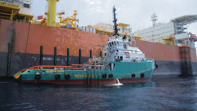 Četvrti mornar nađen mrtav, na splav se ukrcala sedmorica