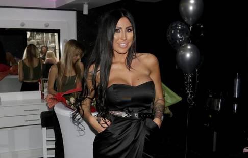 """Starlet Tijana Ajfon (Tijana Maksimovic) opened beauty salon """"Coco and Ti"""".Starleta Tijana Ajfon (Tijana Maksimovic) otvorila salon lepote """"Coco and Ti""""."""