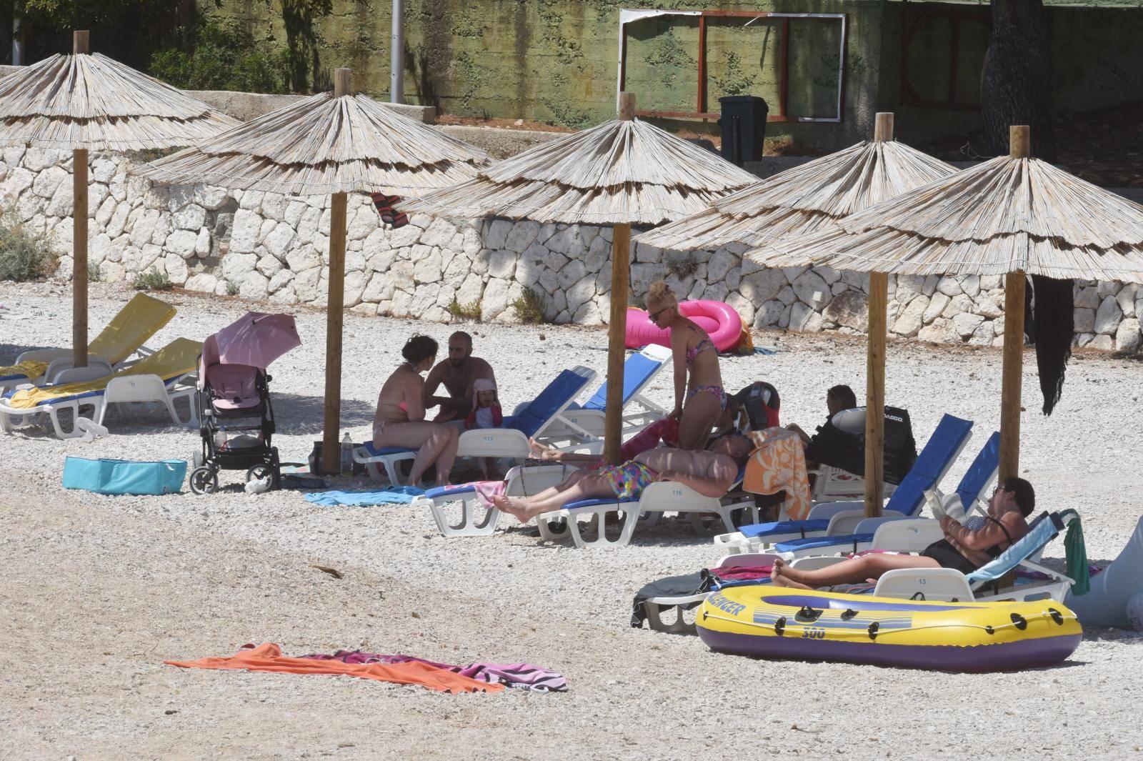 Primoštenske plaže spremno iščekuju veći broj gostiju
