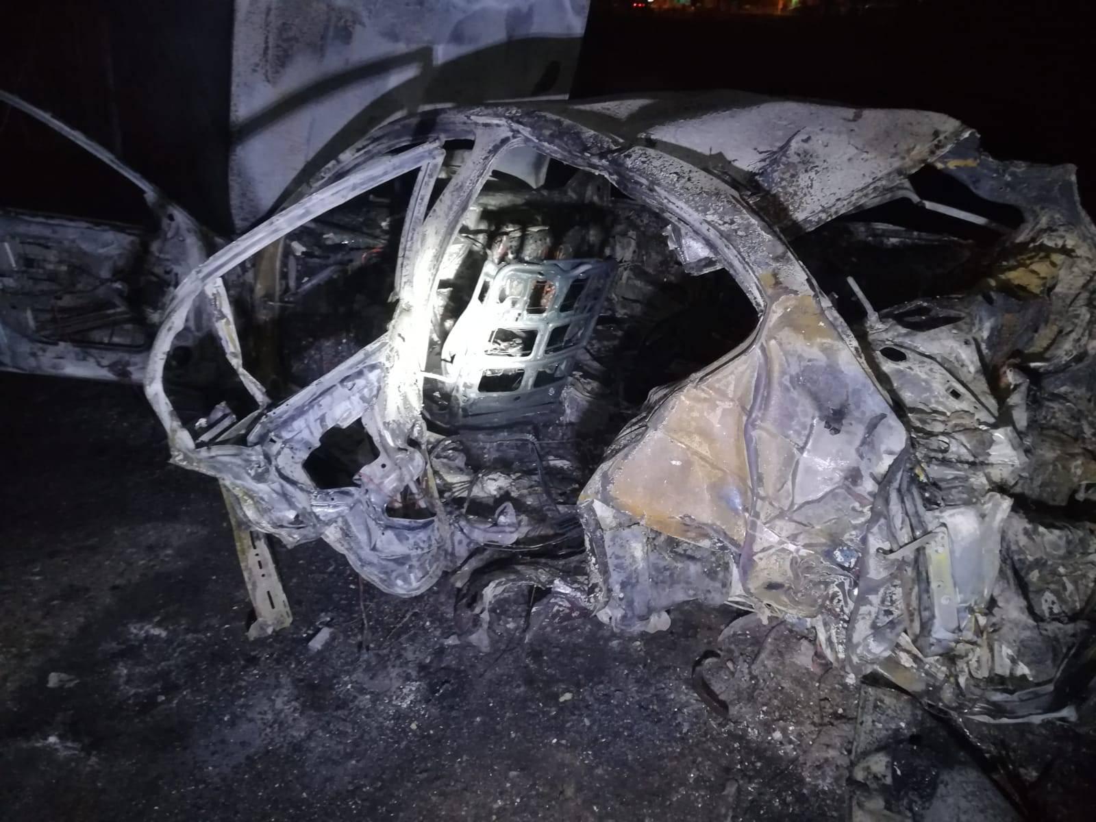 BMW se isprevrtao i izgorio, a mladići su ispali van i poginuli