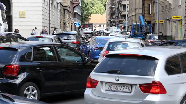 Zagreb: Velike gužve u centru grada zbog zabrane prometa u Vlaškoj