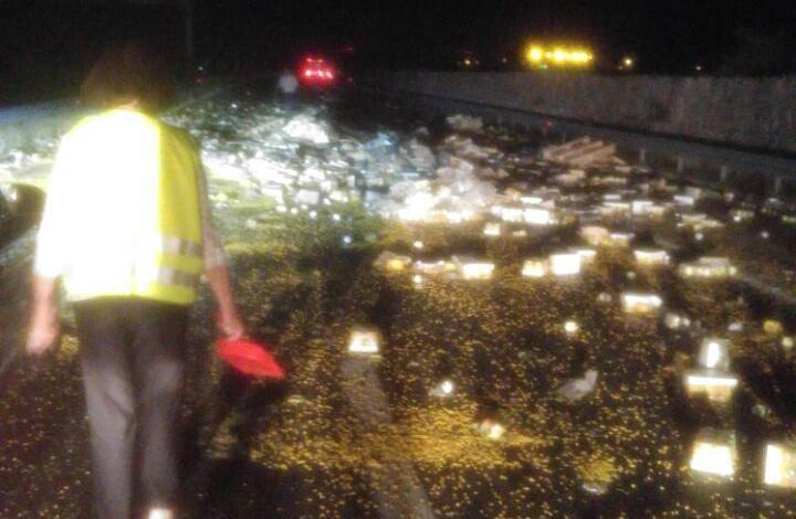 Na kukuruz na autocesti kod Pirovca naletio bus s turistima