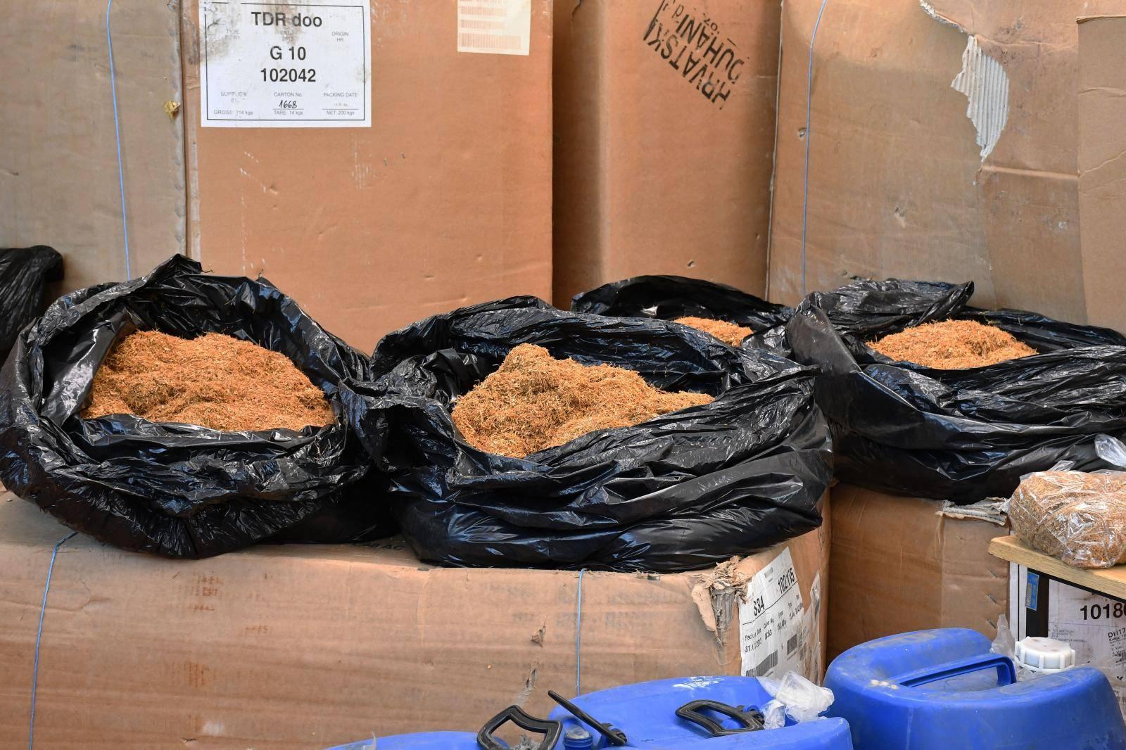 Požega: Policija zaplijenila veliku količinu duhana, marihuane, alkohola, oružja i sredstava za potenciju