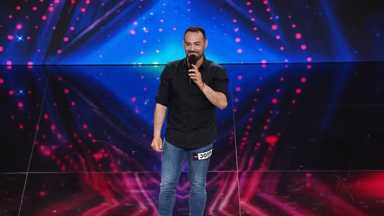 Bio je odvjetnik u Dubaiju, a u Hrvatskoj nastupa na ulici: 'Volio bih pjevati, a ne prositi'