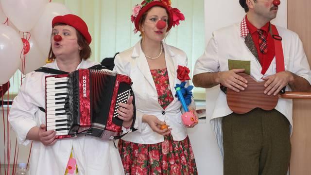 Zagreb: Udruga Crveni nosovi - klaunovidoktori obilježila 10. rođendan