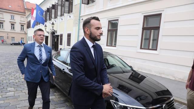 Zagreb: Novi ministri dolaze u Banske dvore