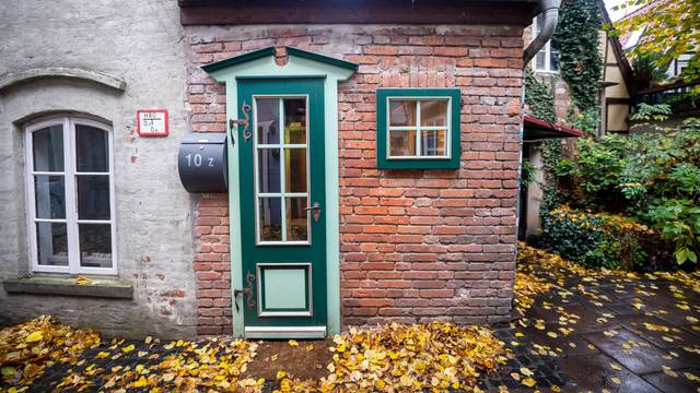 Bremen's smallest house for sale