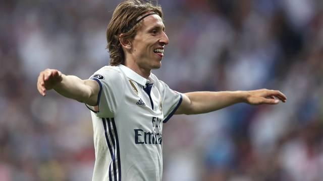 Real Madrid v Bayern Munich - UEFA Champions League - Quarter Final - Second Leg - Santiago Bernabeu