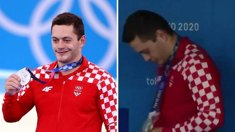 Ponosni Tin: Zaljubljeno gledao svoju medalju pa ju milovao...