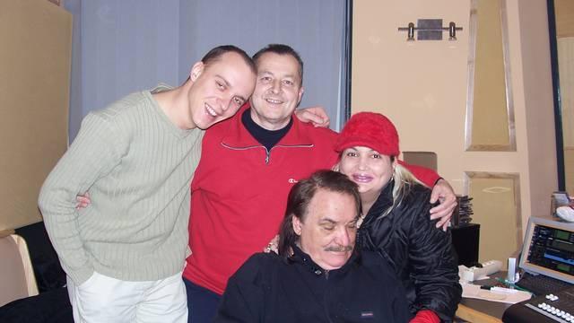 Preminuo je hitmejker i autor Mišine pjesme 'Poljubi zemlju'