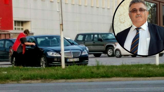 Peru njegov auto: Boso, srami se! Nisu radnice tvoji robovi...