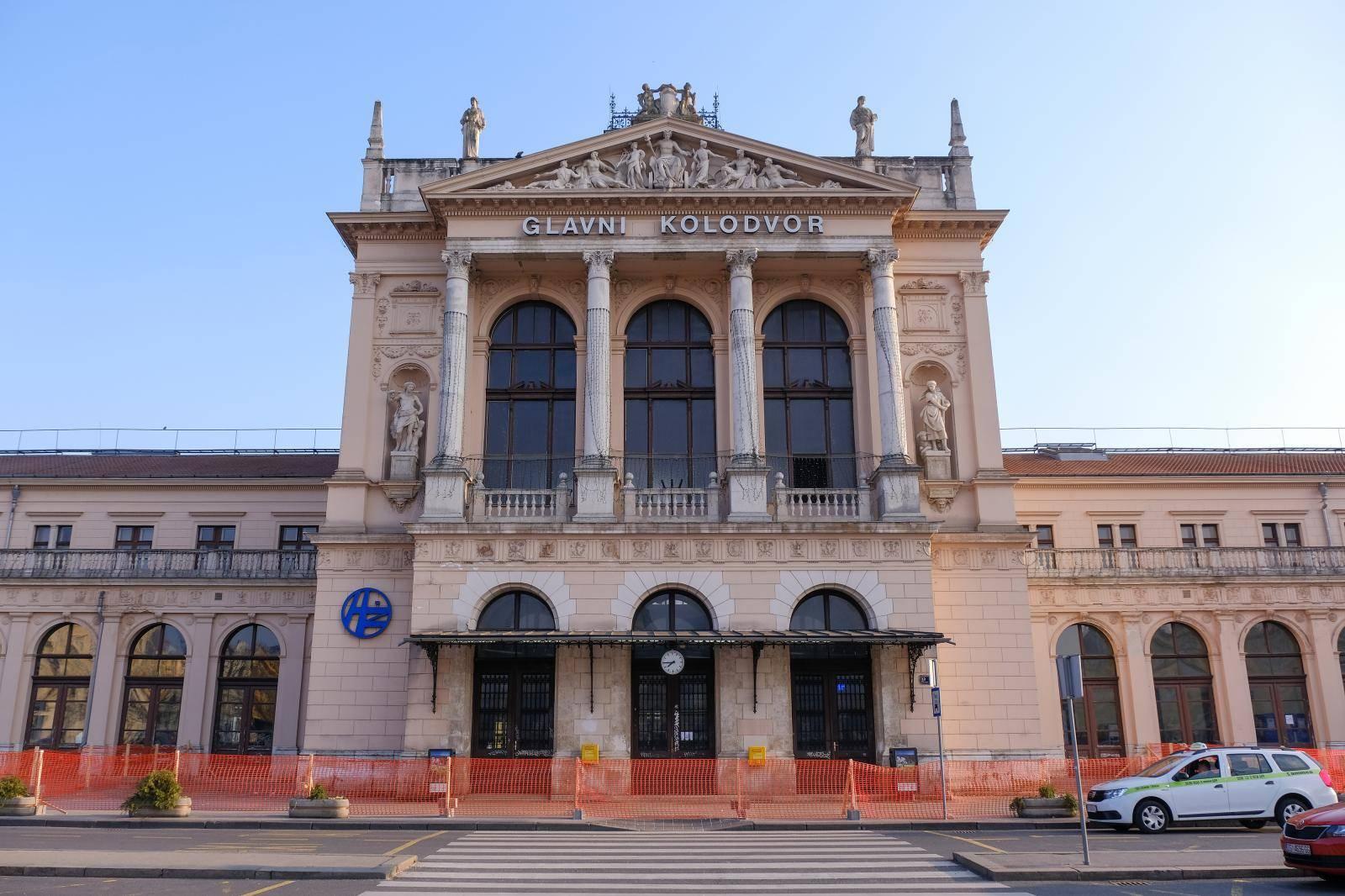 Zagreb: Zbog pandemije Glavni kolodvor potpuno je pust