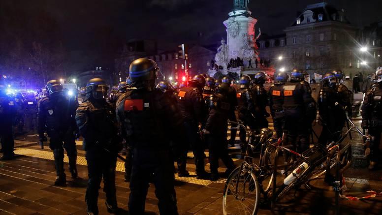 Mirni prosvjedi zbog zakona o sigurnosti: Gušite nam slobodu
