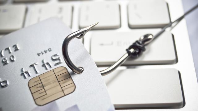 Ni slučajno ne otvarajte! Lažne banke šalju SMS poruke i mailove, tako uzmu tisuće kuna