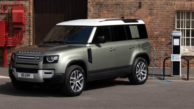 Ima čak 404 KS: I nezaustavljivi Land Rover odsad vozi na struju