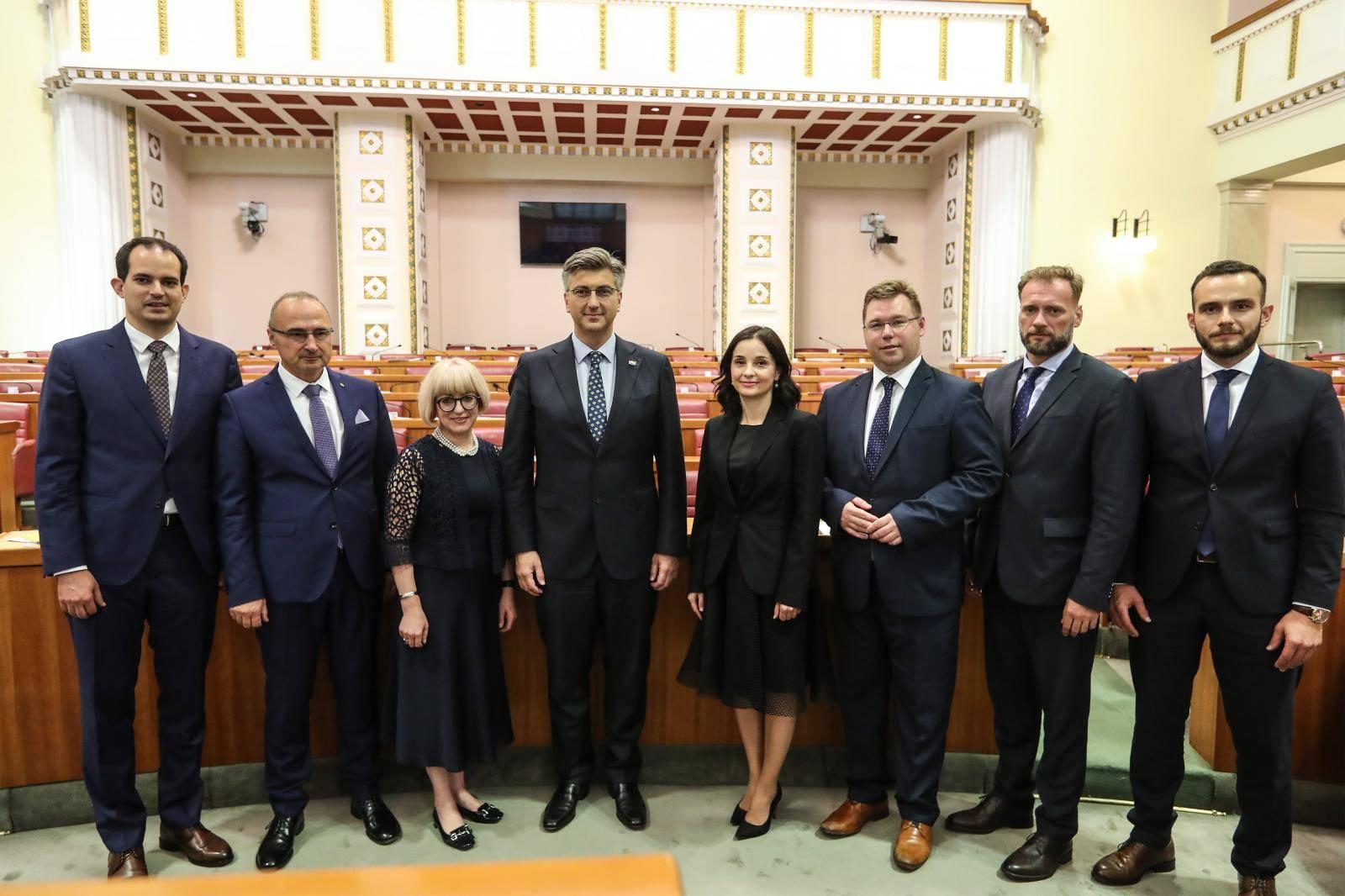 Izglasali su povjerenje: U Vladu stiže sedam novih ministara