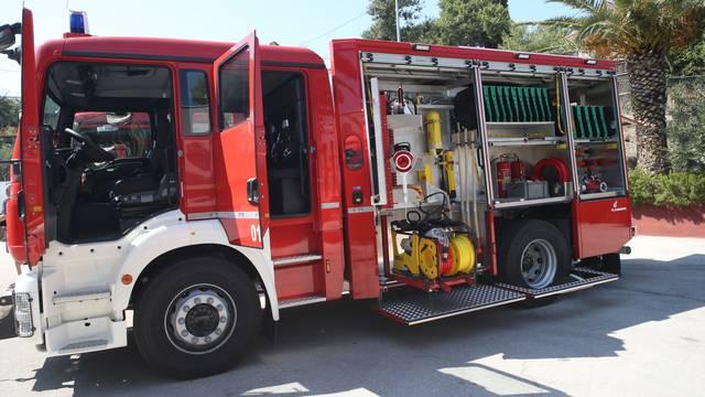 U JVP Split vatrogascima uručena nova vatrogasna vozila