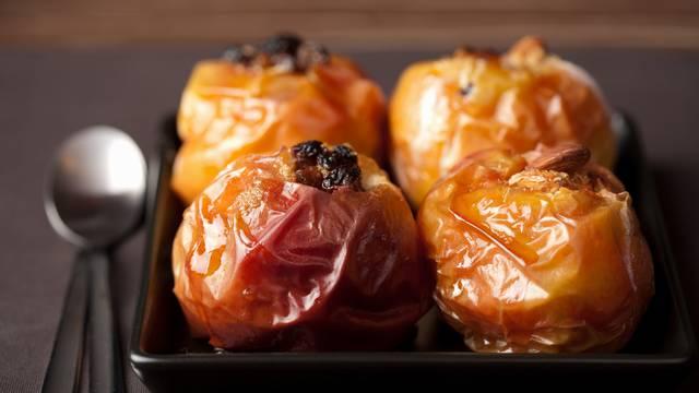 Pečene jabuke s orasima: Cimet, klinčić i vanilija daju finu aromu