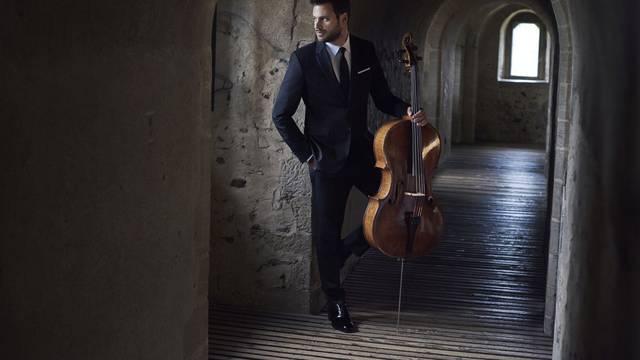 Hauser solo na Brijunima: glazbeni bijeg i utjeha
