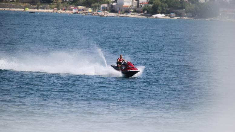 Vodenim skuterom se zabio u pedalinu: Ozlijeđena djevojčica (5) prevezena je u Dubrovnik