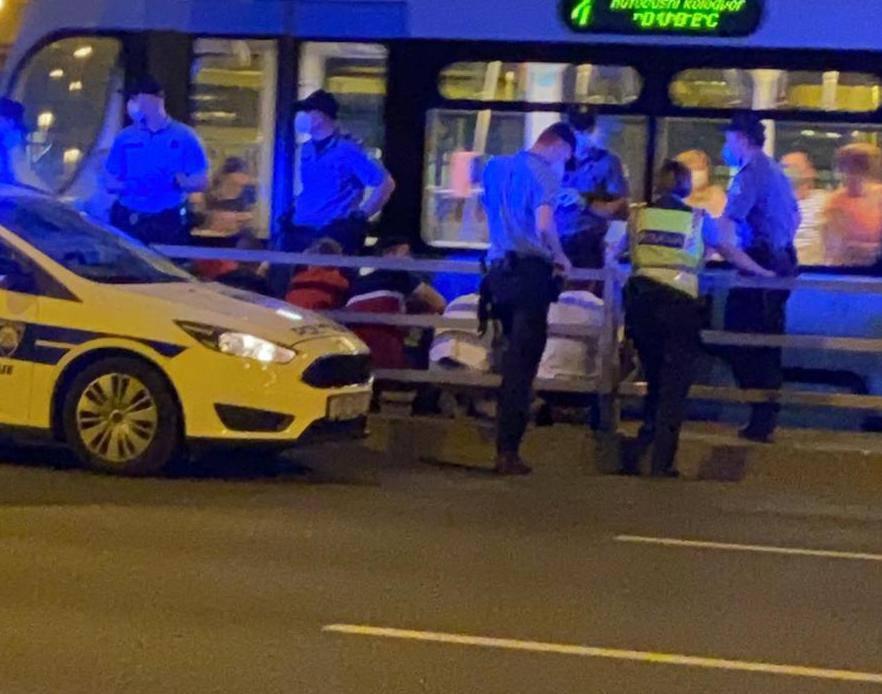Policija opkolila Savsku: Priveli su ilegalce u centru Zagreba