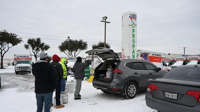 Zimska oluja u Teksasu: Milijuni ostali bez struje i grijanja
