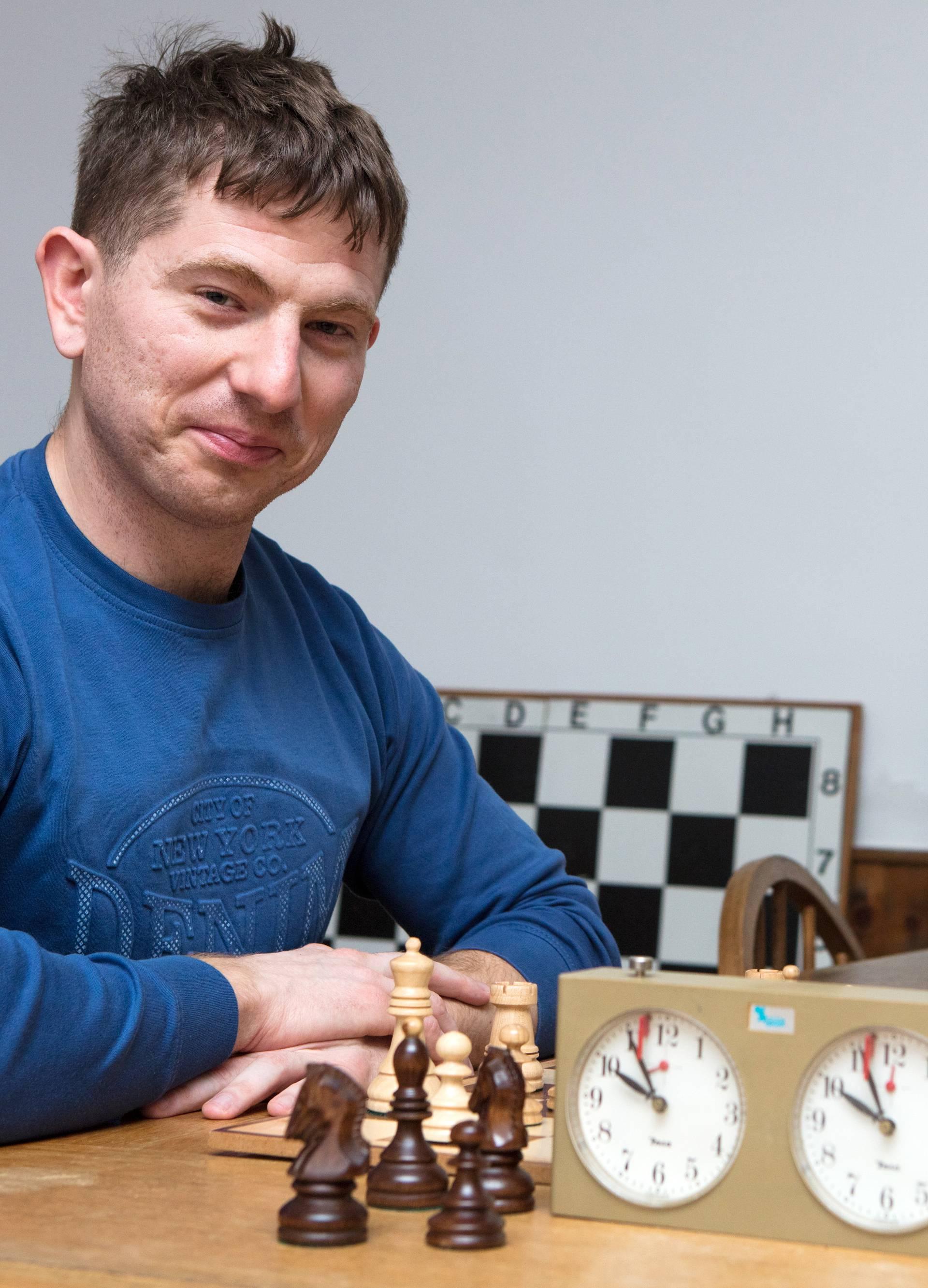 'Igrali smo šah šest sati, po tri kilograma izgubili i - remizirali'