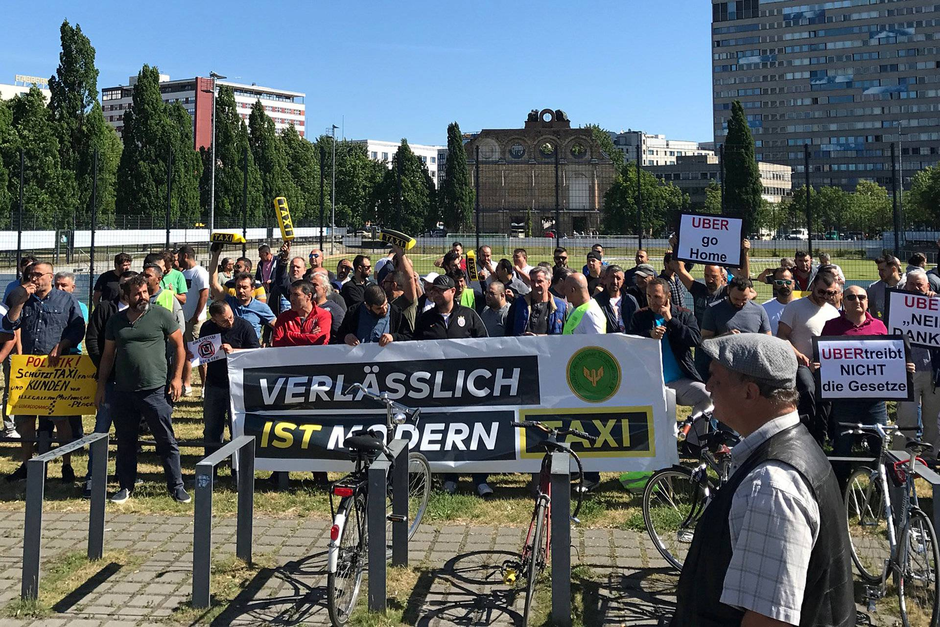 German taxi driver protest against Uber
