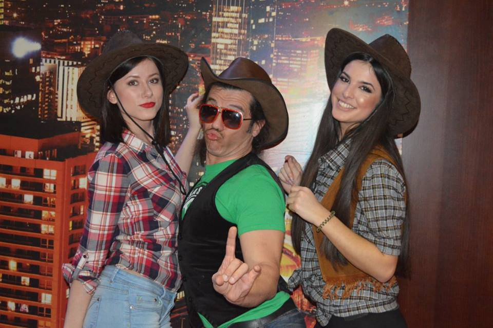 Kaubojke i country: Jedinstven provod na ludom Texas partyju