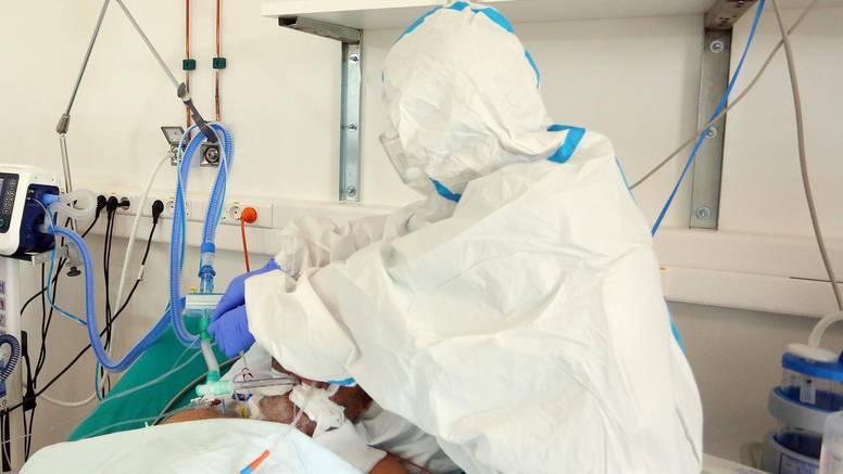 Kao što nose maske i odijela, svi liječnici i sestre trebali bi se cijepiti. To je jedino ispravno