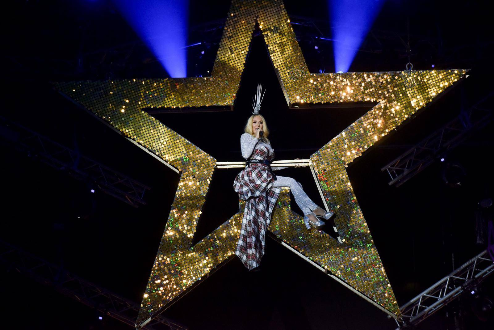 Zagreb: Lepa Brena održala koncert u zagrebačkoj Areni