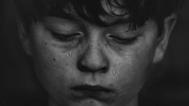 Ne govorite dječacima da ne plaču jer ćete im tako naštetiti