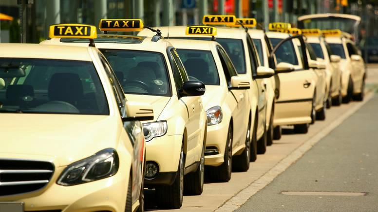 Čega se sve naslušaju taksisti? Od 'zlih' planova do seks priča