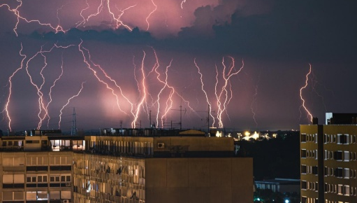 Nagli nalet oluje: 'To je sasvim uobičajeno za ovo doba godine'